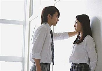 青春期早恋应该要提前提防